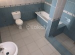 LOUIS COURT 4 BED BATHROOM